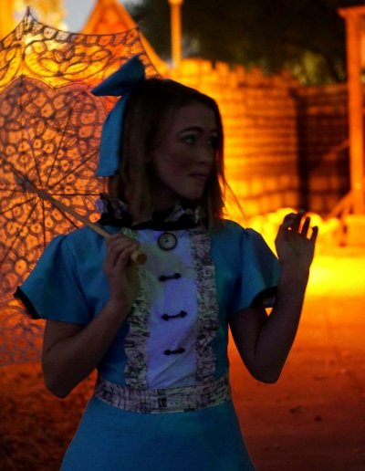 alice-umbrella-night-underland-haunts