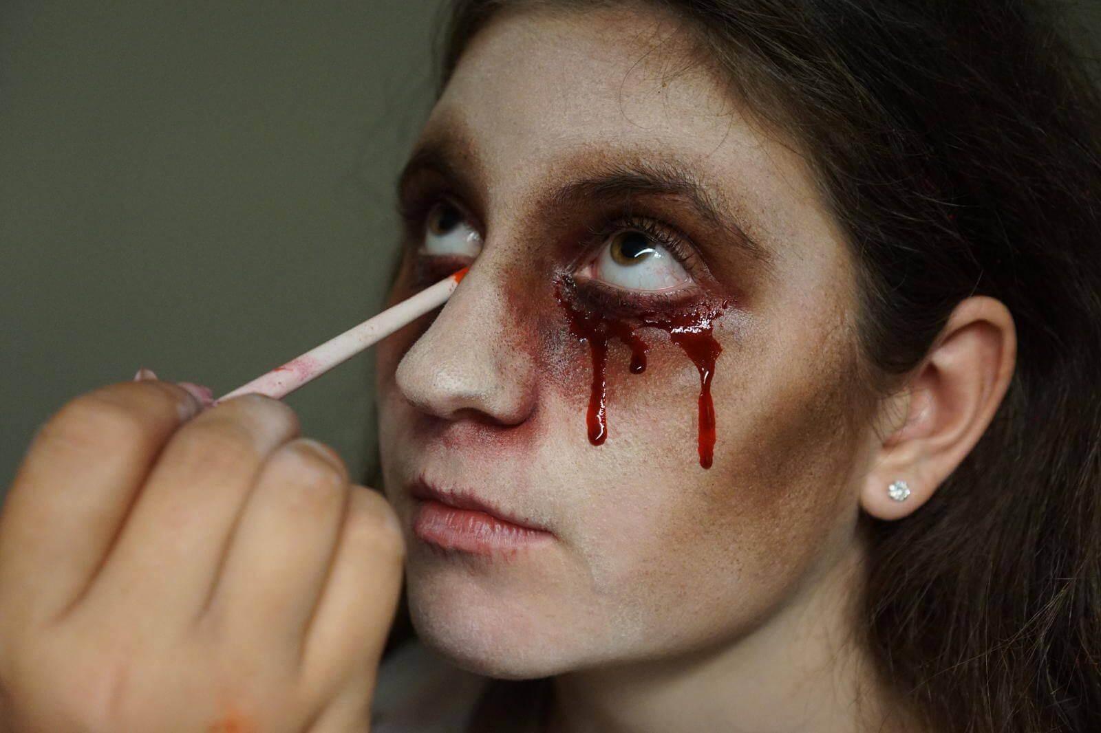 jobs-makeup-woman-monster-creature-heartstoppers