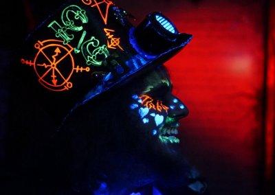 malice-underland-glow-blacklight-haunt-heartstoppers