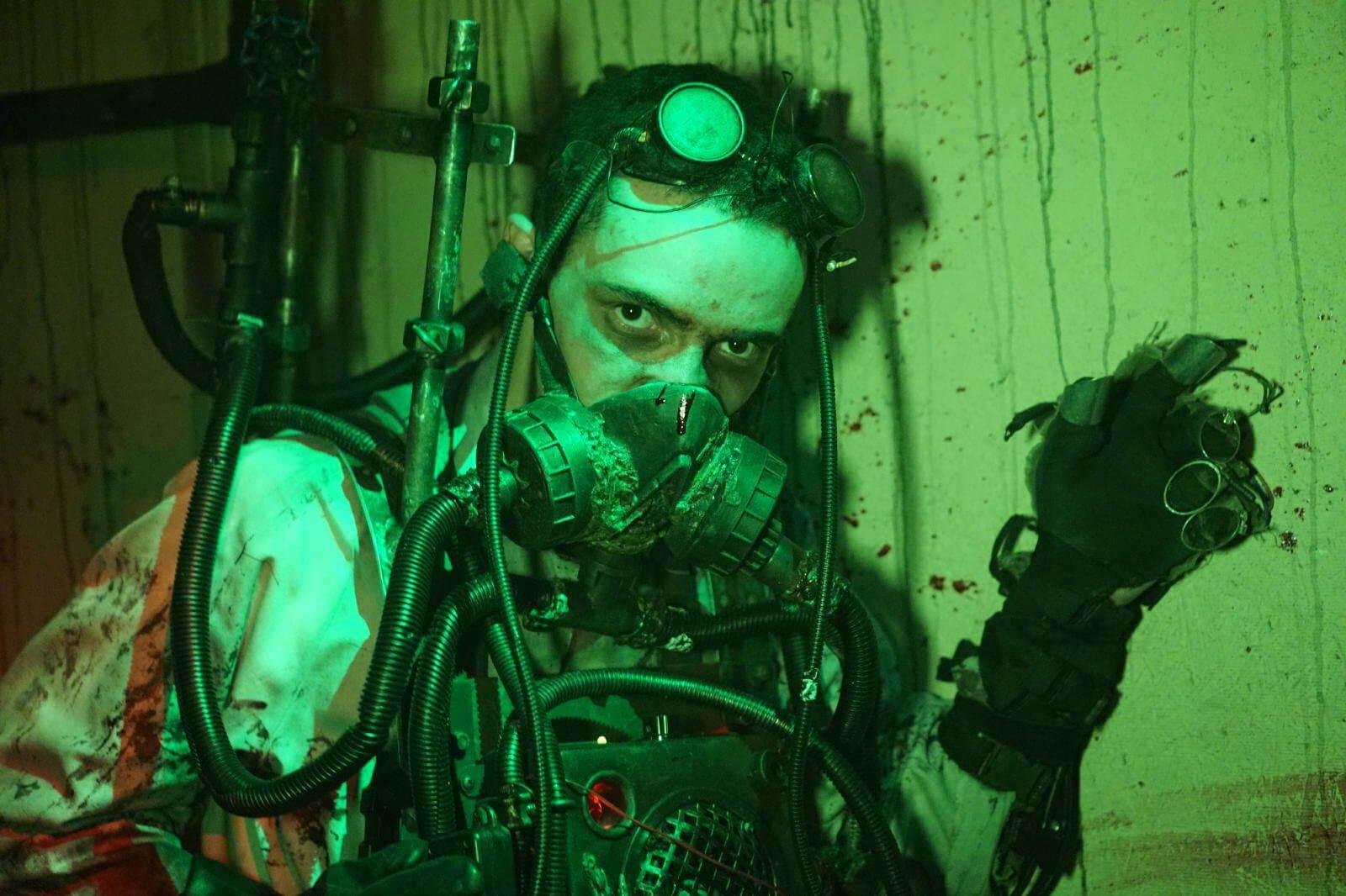 man-steampunk-steamghast-asylum-haunts