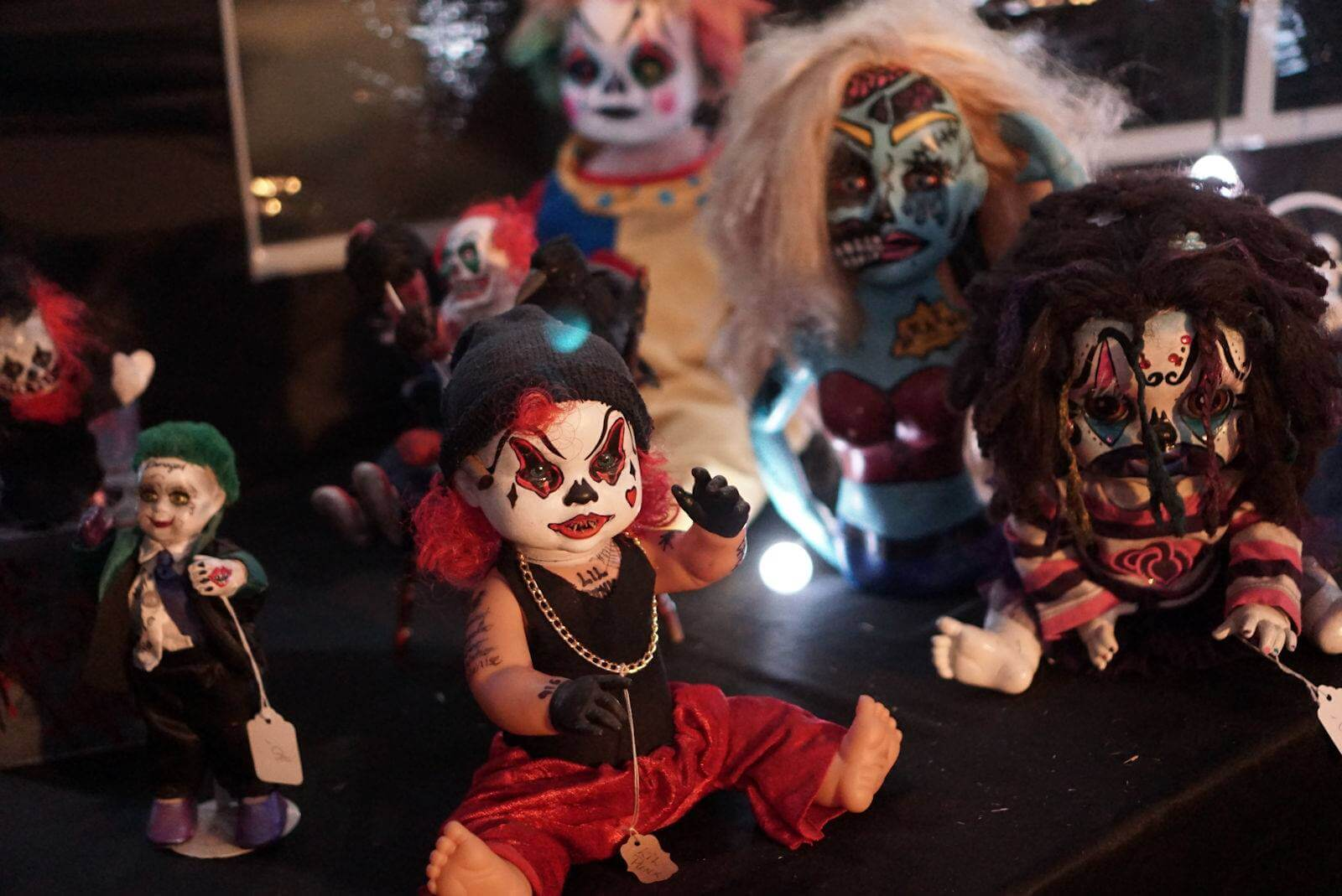 retail-vendor-doll-booth-toys-heartstoppers