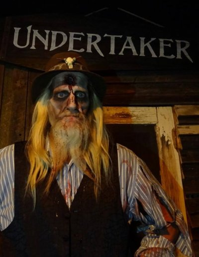 undertaker-dead-zombie-man-heartstoppers